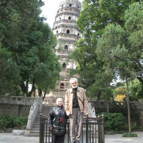 Падающая башня на Тигровом холме