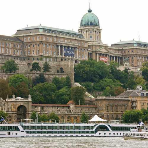 Будайская крепость и Королевский дворец, Hungary