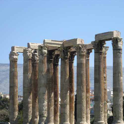Храм Зевса Олимпийского в Афинах, Greece