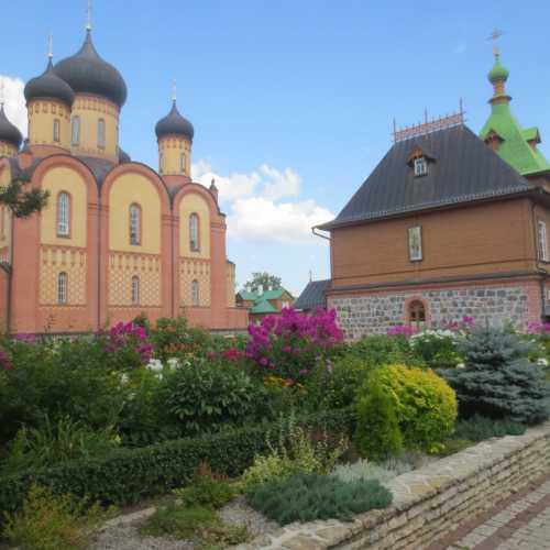 Пюхтицкий женский монастырь в Курэмяэ, Estonia