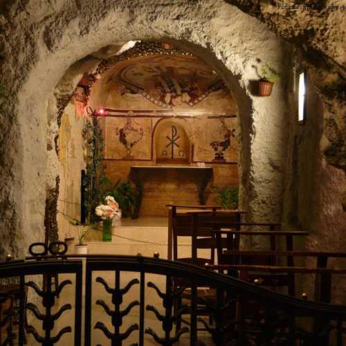 Скальный храм Св. Иштвана в горе Геллерта, Hungary
