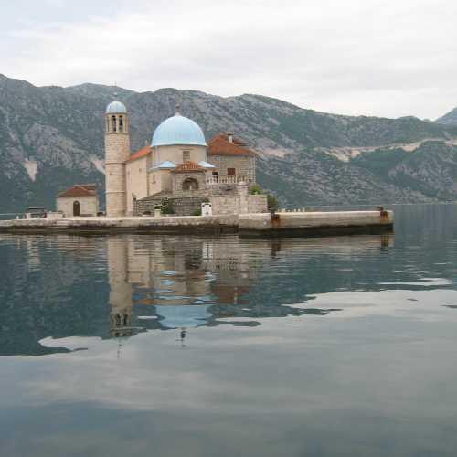 Церковь Богородица на камне в Боко-Которском заливе, Montenegro