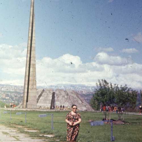 Tsitsernakaberd, Armenia