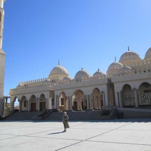 Новая мечеть в Хургаде