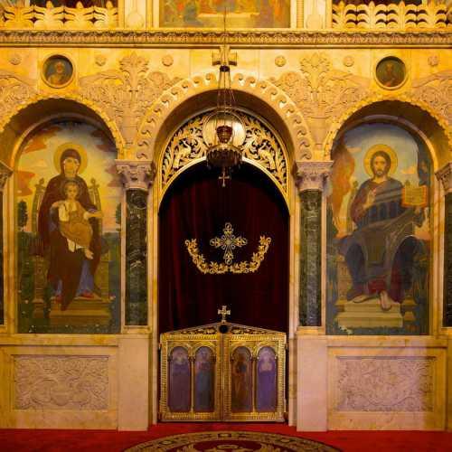 Иконостас собора Св.бл. кн. Александра Невского в Софии