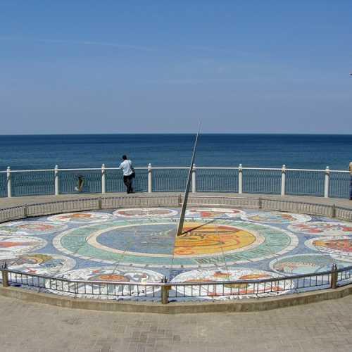 Солнечные часы на Светлогорском пляже, Russia