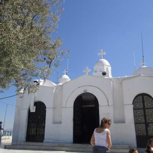 Храм Вмч. Георгия Победоносца на горе Ликавитос в Афинах
