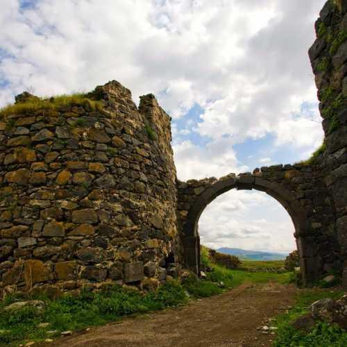 Развалины крепости Лори-Берд, Armenia