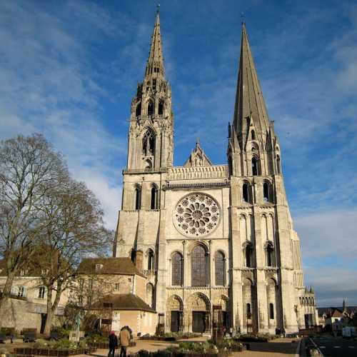 Шартрский кафедральный собор Богоматери, Франция