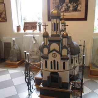 Улей в виде церкви в музее мёда в Сремских Карловцах