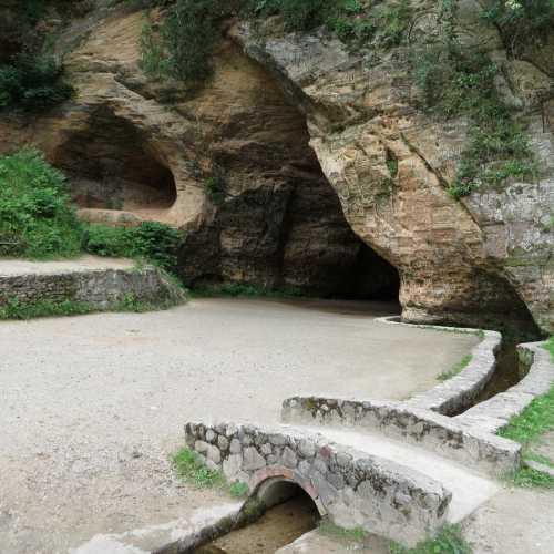 Пещера Гутманя в Сигулде, Латвия