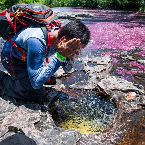 Воду можно пить спокойно. А вы обязательно будете испытывать жажду спустя несколько часов похода.