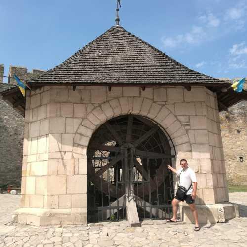Хотин, Украина