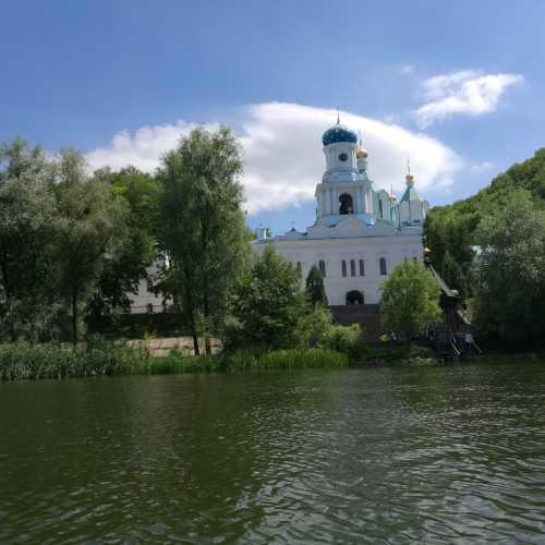 Святогорск, Украина
