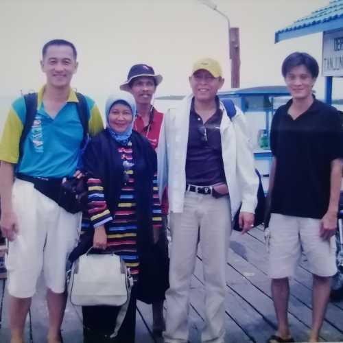 Tanjung Batu, Индонезия