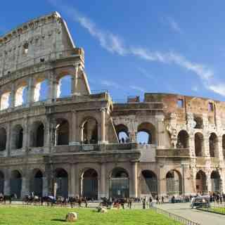 Колизей или амфитеатр Флавиев — амфитеатр, памятник архитектуры Древнего Рима, наиболее известное и одно из самых грандиозных сооружений Древнего мира, сохранившихся до нашего времени.