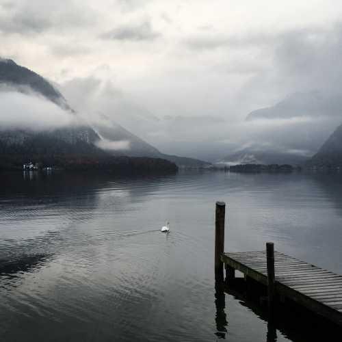Гальштат встретил утренним туманом, который, увы, так и не развеялся.