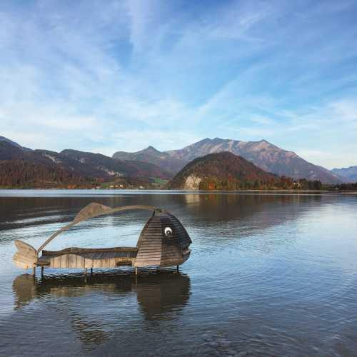 Вокруг озера Фольганзе наверное можно обойти за день. Оно опоясано невысокими горами (меньше двух тысяч), которые нам не удалось покорить… осенний день короток.