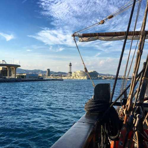 Увы, но Барселона с моря не такая интересная, как Лиссабон или Стамбул.