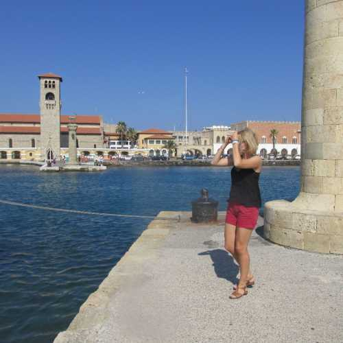 Родос. Пристань, на которой был расположен Колосс Родосский.