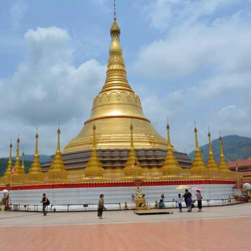 Shwedagon (Tachileik), Myanmar Burma