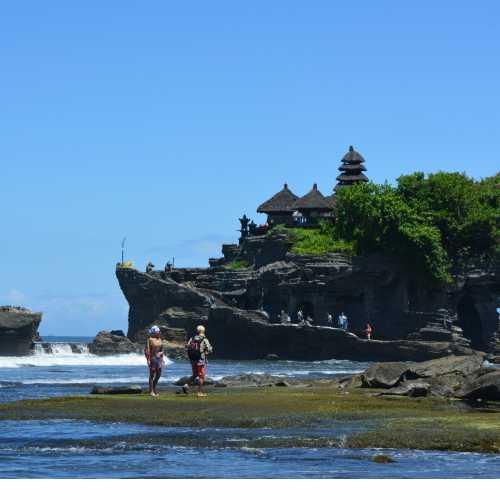 Танах Лот, Индонезия
