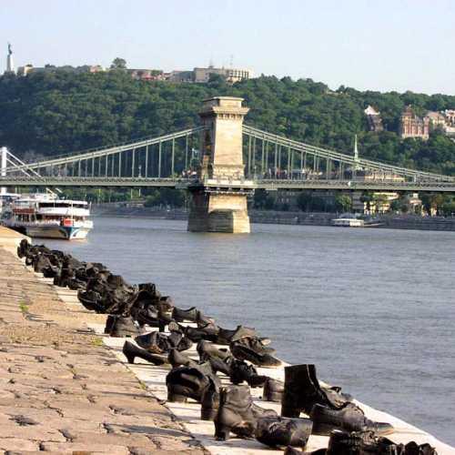 Туфли на набережной Дуная, Венгрия