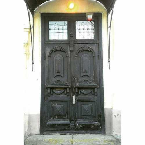 двери и архитектура
