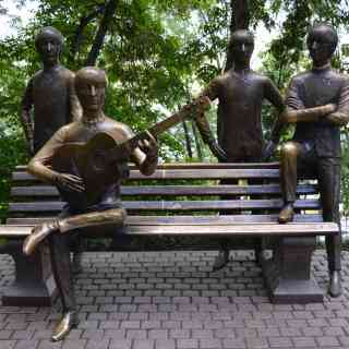 Алматы, памятник «Битлз»