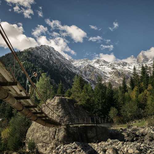 Путь на ледник Чалаади