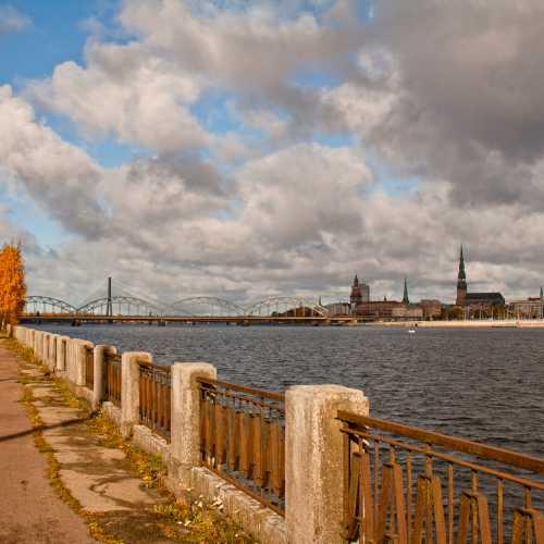 Zaķusala un tilti