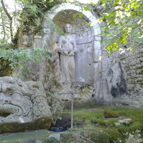 Священный лес (Parco dei Mostri), Италия