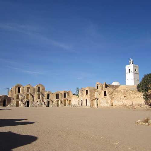 Тунис, 2012