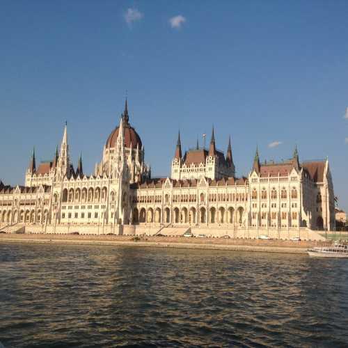 Будапешт. Здание парламента.