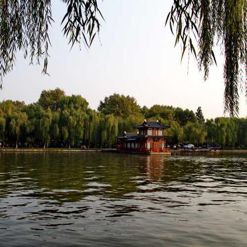 Озеро Сиху, China