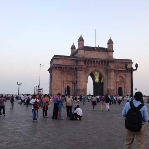Ворота в Индию, India