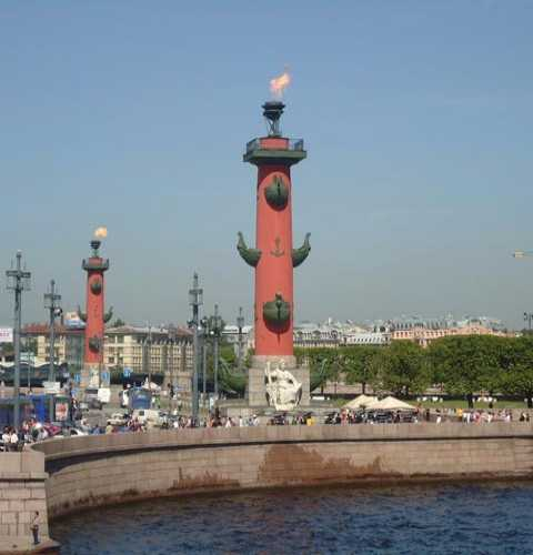 Ростральные колонны, Россия