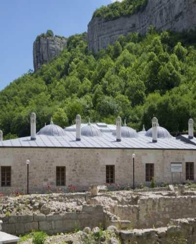 Зынджирлы-медресе, Crimea