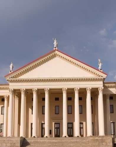 Зимний театр, Россия