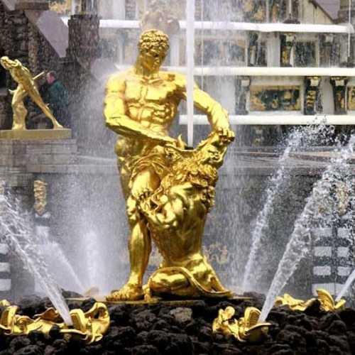 Samson Fountain, Russia