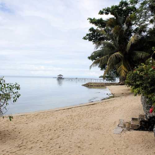 Pulau Kadidi, Indonesia