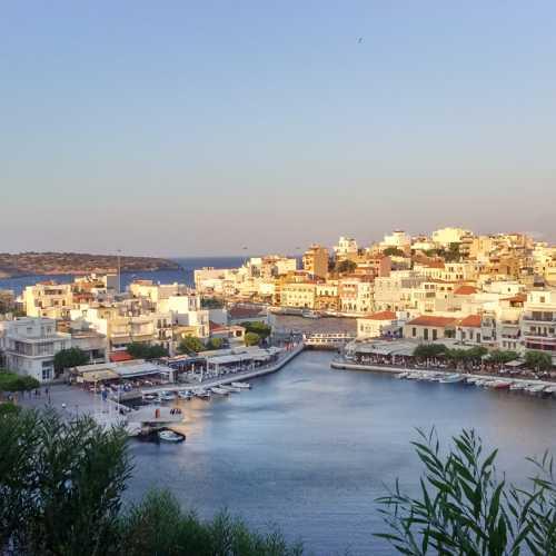 Айос-Николаос, Греция