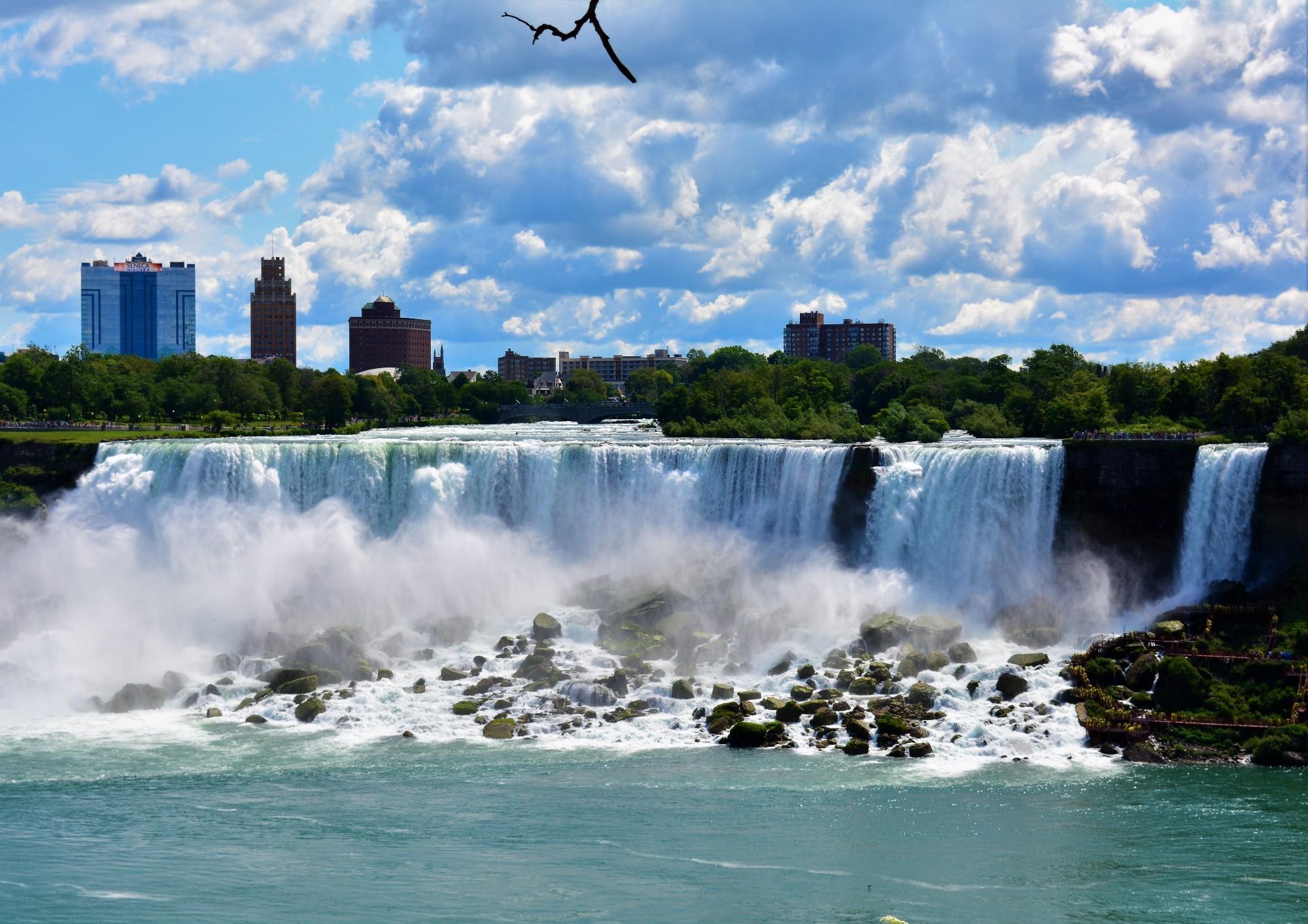 Niagara Falls Escorts