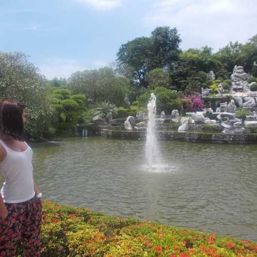 Парк миллионолетних камней (The Million Years Stone Park)