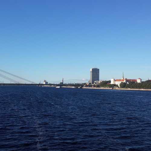 Рига. Вантовый мост через Даугаву