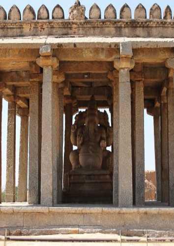 Sasivekalu Ganesha, India