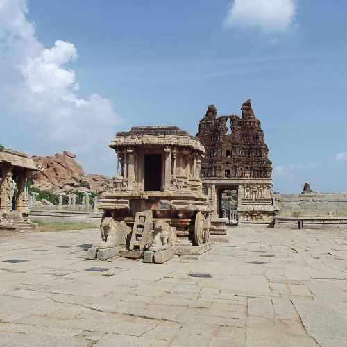Каменная колесница, India