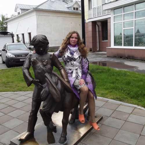 Скульптура «Иван Дурак и Конек-Горбунок» в сквере им.П.П.Ершова в г. Тобольск