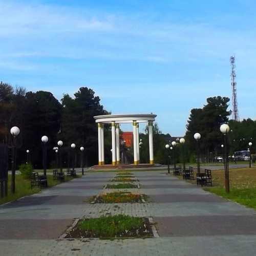 Памятник женам декабристов в г. Тобольск