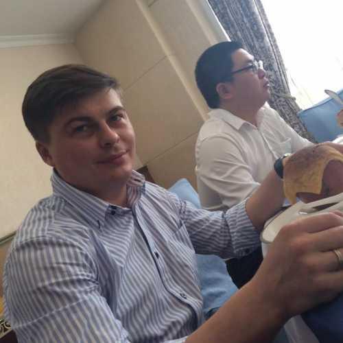 На приеме в партийном институте — число блюд равно количеству гостей)